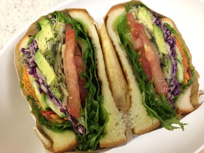 ジューシーズ ラボラトリーのサンドイッチベジタブル