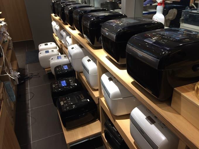 なんばスカイオの象印食堂の大量の炊飯器