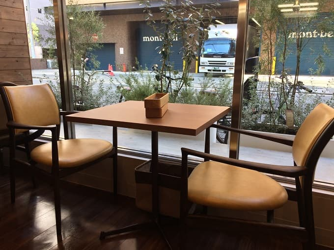 パティスリー&カフェ イチブルの2人席