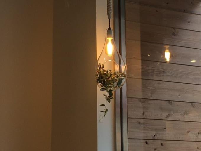 パティスリー&カフェ イチブルの照明