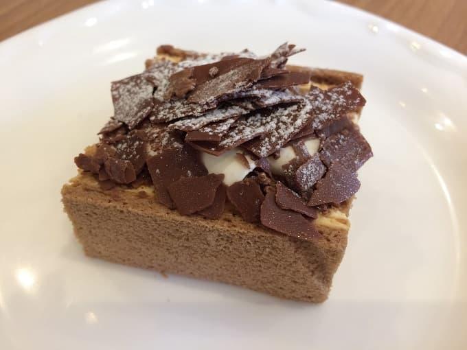 パティスリー&カフェ イチブルのキャラメルケーキ