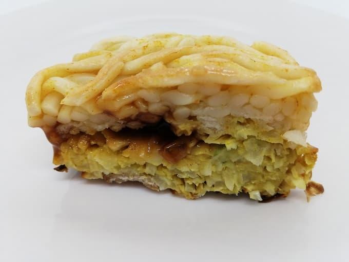 お好みソース饅頭(カレーうどん)の断面図