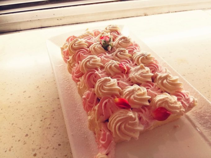キャラメル ストロベリーチーズケーキ