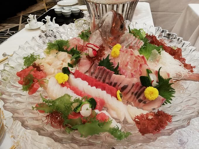 リーガロイヤルホテル京都の新春ファミリービュッフェのお造り盛合せ