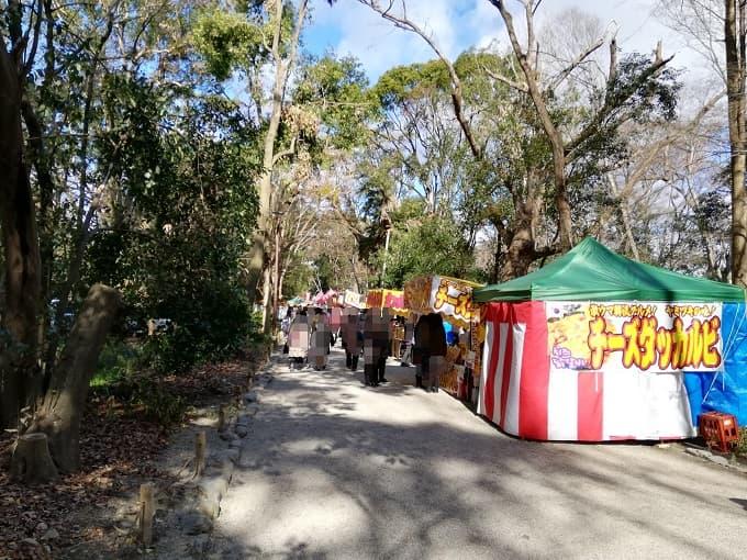 下鴨神社の参道の屋台