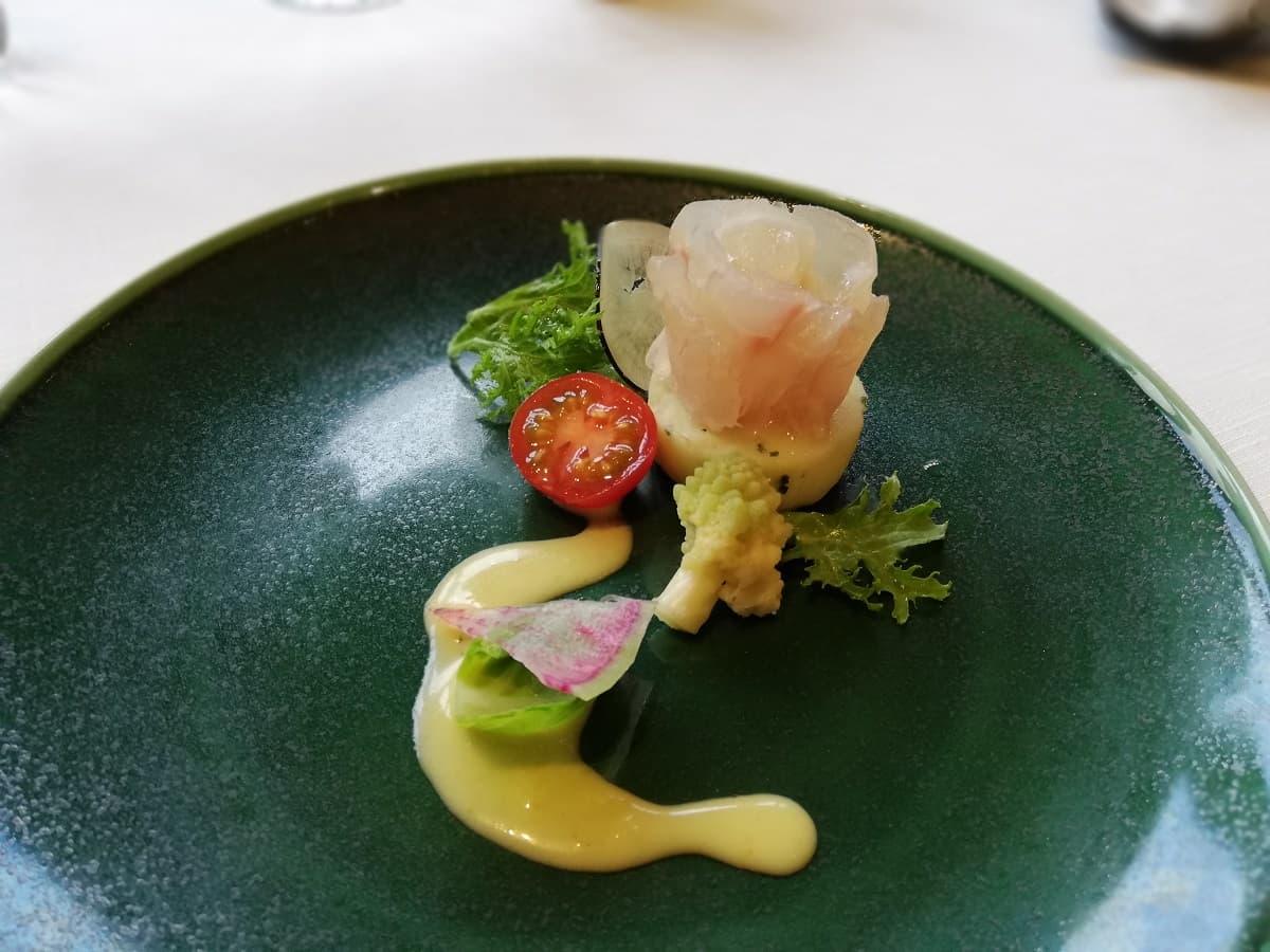 旬魚のカルパッチョと上賀茂野菜の菜園仕立て