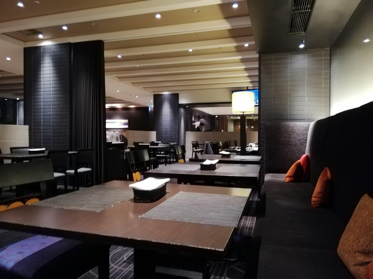 リーガロイヤルホテル大阪のディナービュッフェのレストランの雰囲気