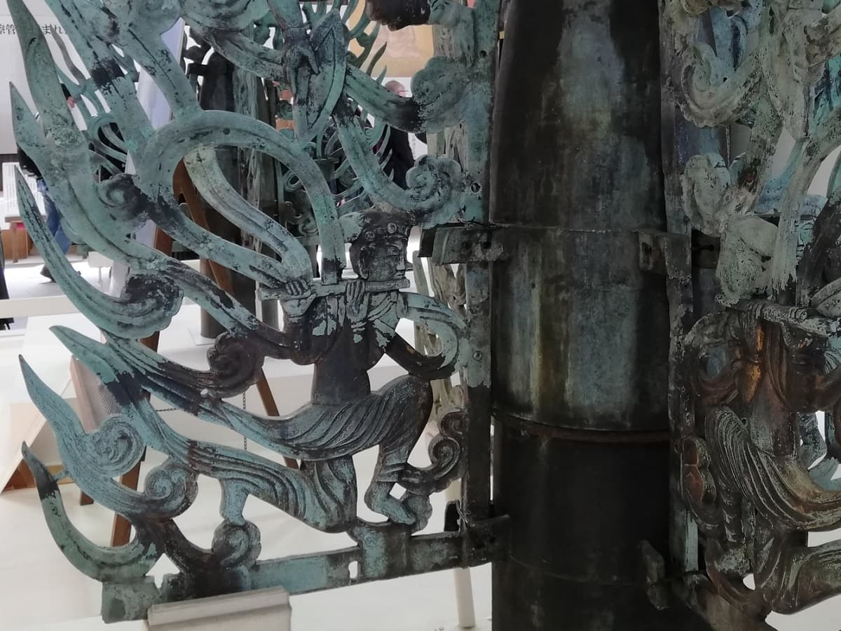 白鳳時代の特徴が見られる水煙