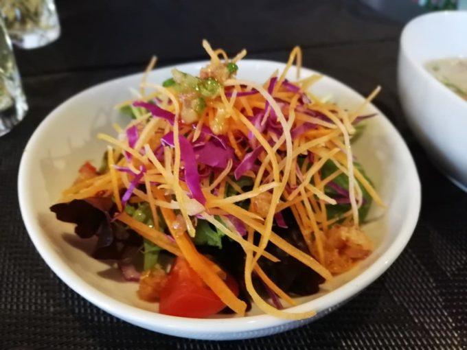 バリフォーシーズンズのランチセットのサラダ
