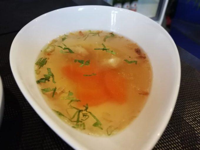 バリフォーシーズンズのランチセットのスープ