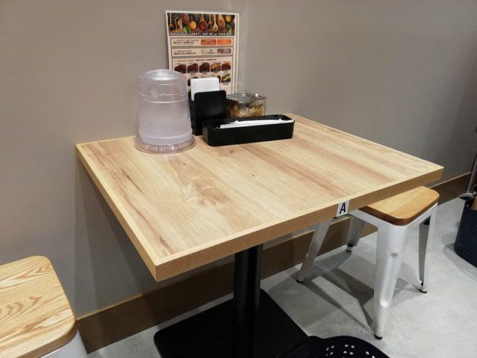 テーブル席の様子
