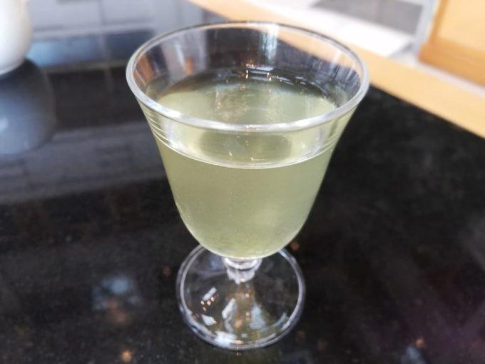 ウェウカムドリンクの水出し緑茶