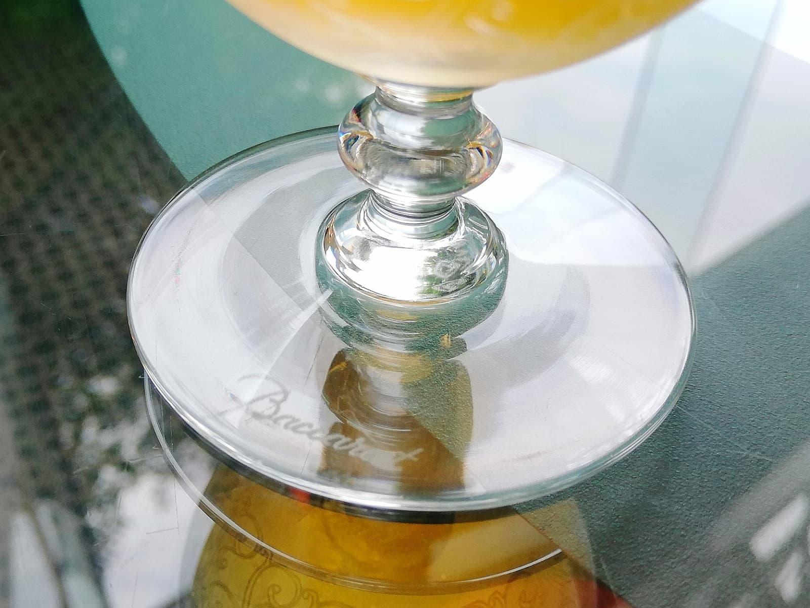 バカラ製のガラスコップ