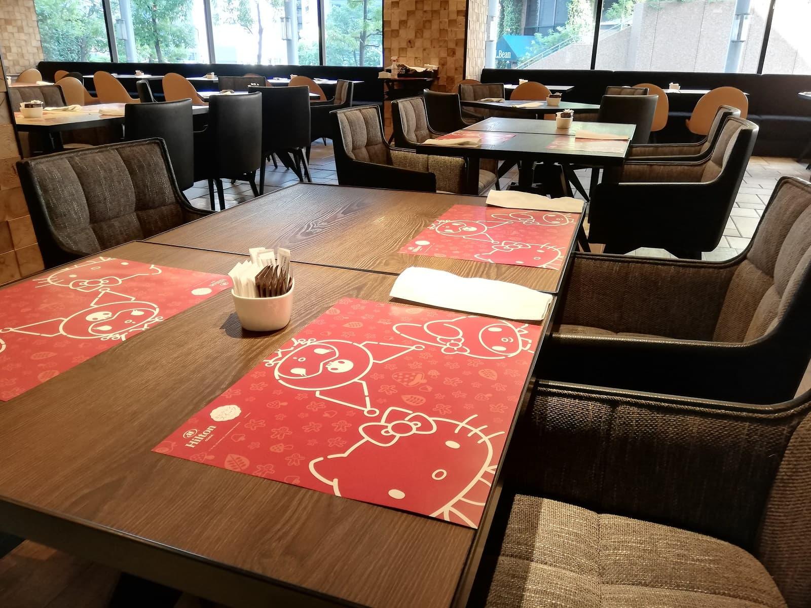 ヒルトン大阪のキティビュッフェのレストランの様子