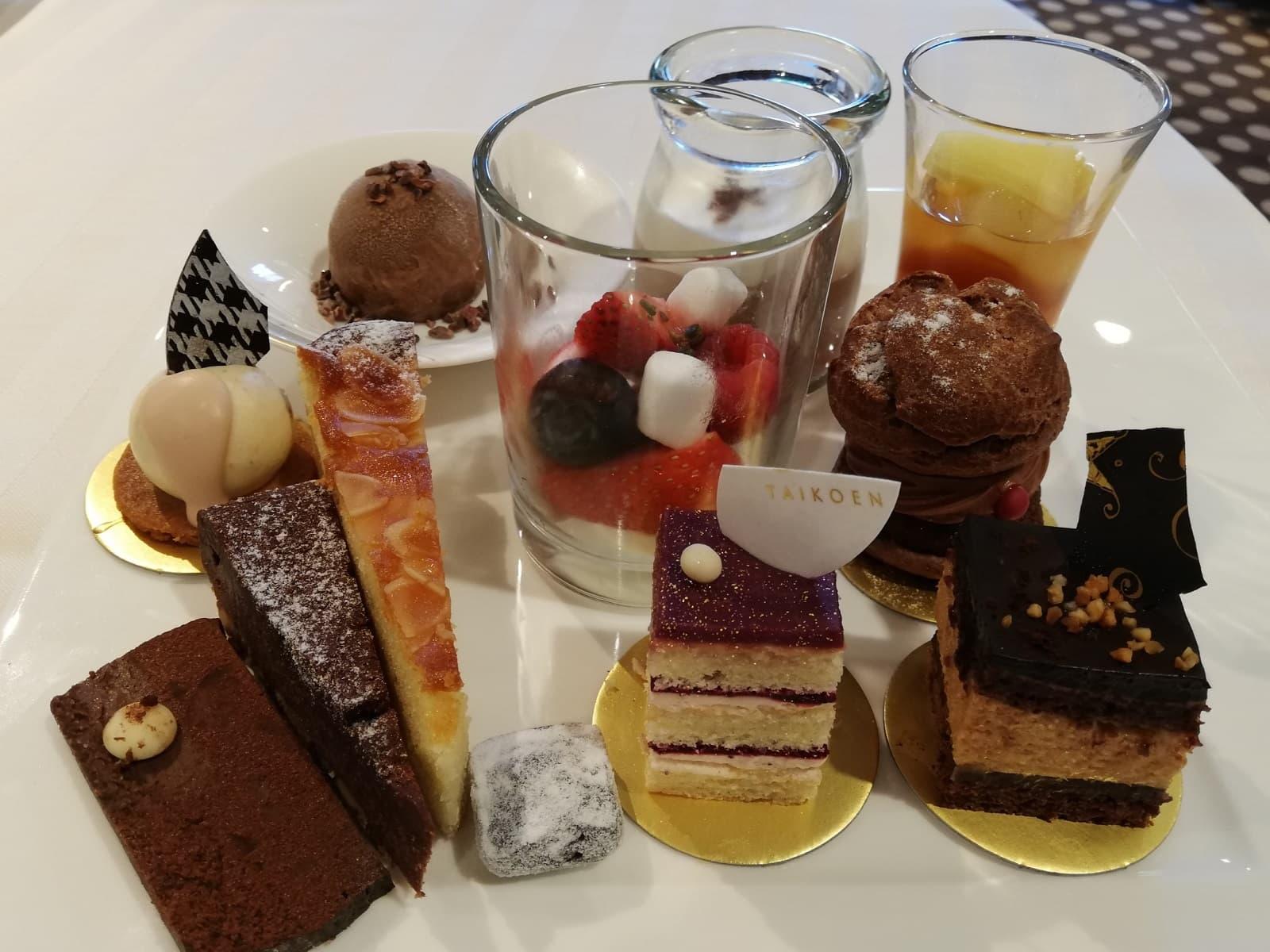 12種類のチョコレートスイーツ