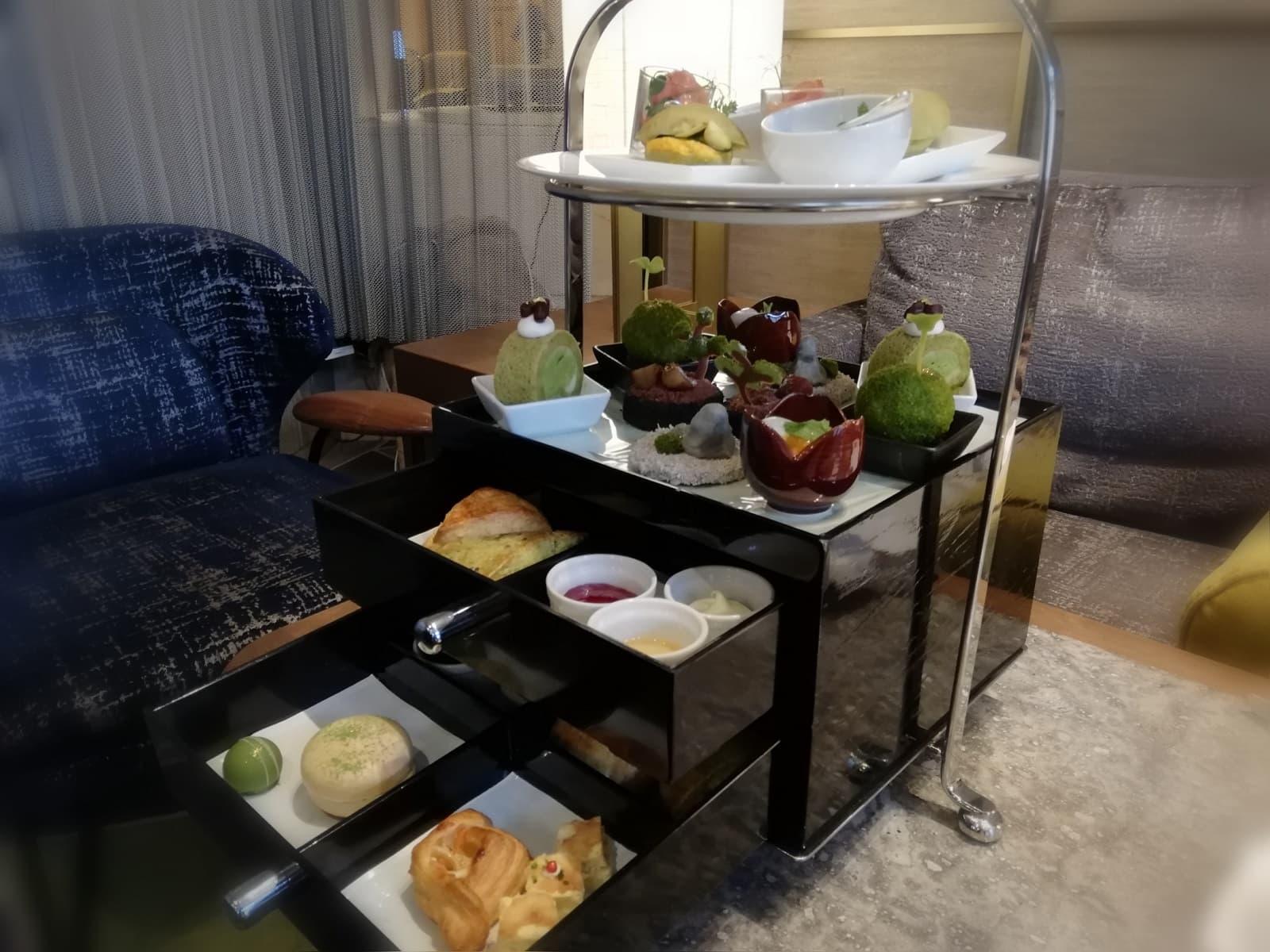 スイスホテル南海大阪の福岡・八女茶アフタヌーンティーのメニュー内容