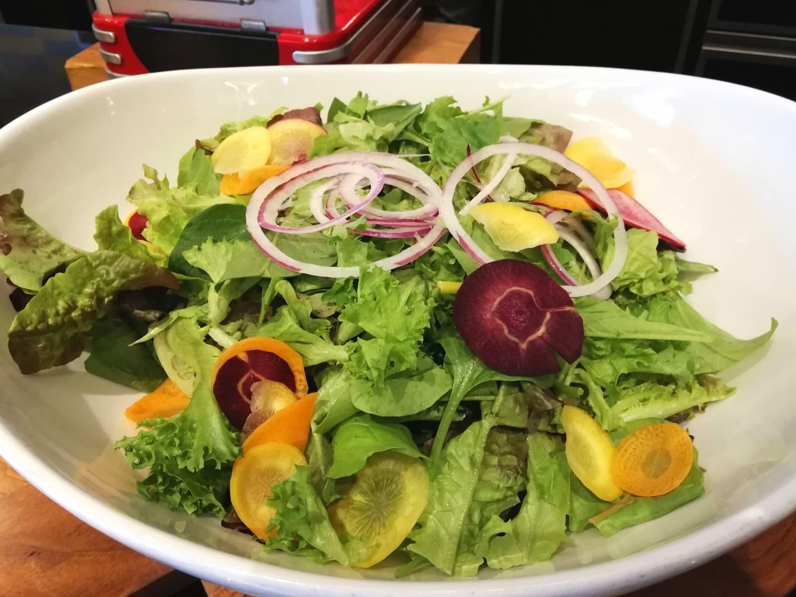 季節のグリーンサラダ