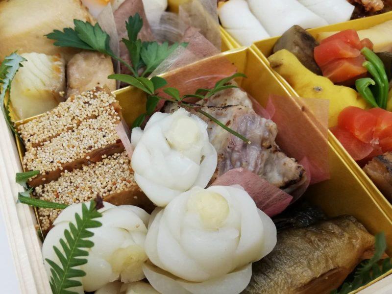 野菜、魚、肉とバラエティー豊かな日本料理湯木のおせち